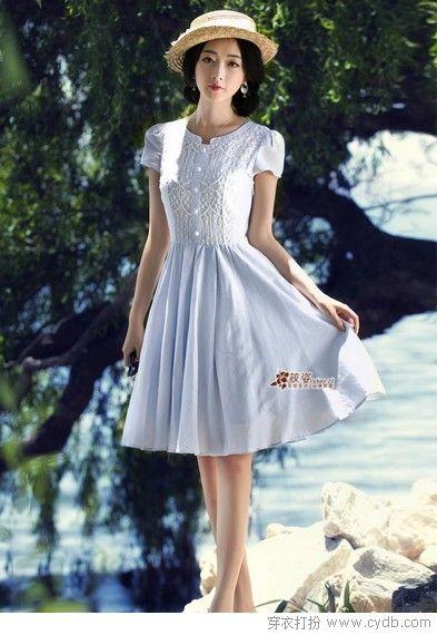 四月海洋风,清新条纹裙