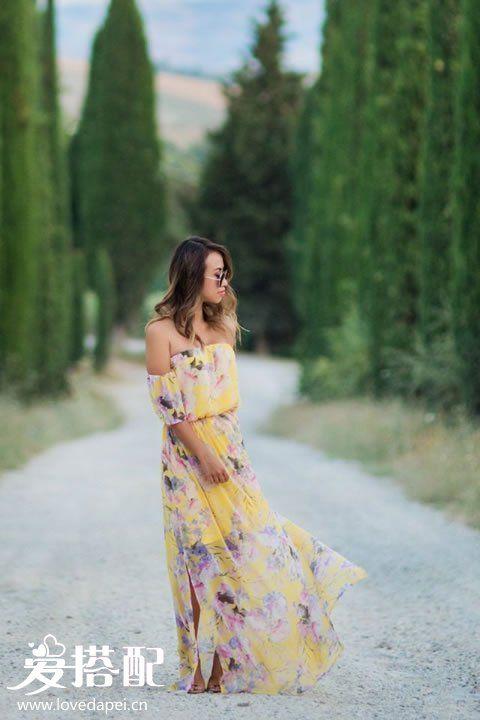 花朵连衣长裙搭配